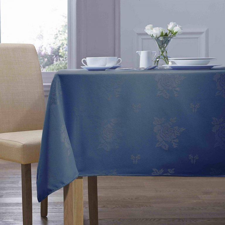 royal-blue-damask